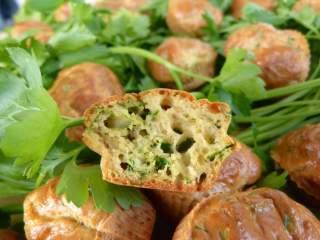 Muffins au herbes et ail